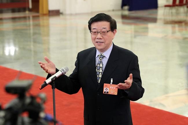 """李伟:中国经济走势有望从""""L""""型""""一竖""""过渡到""""一横"""""""