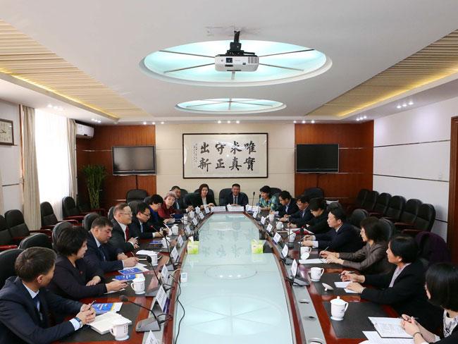 隆国强副主任会见吉尔吉斯斯坦社民党干部考察团