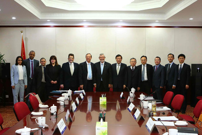 李伟主任会见古巴外交部组织、规划、信息和分析司司长罗德里...