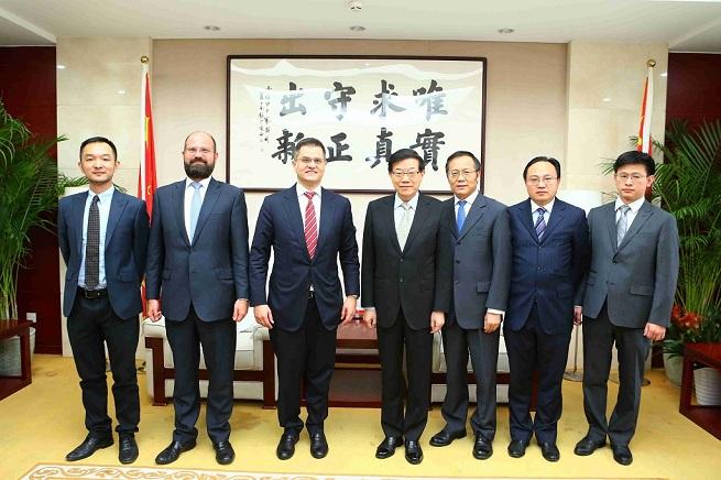 李伟主任会见国际关系和可持续发展中心主任耶雷米奇